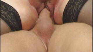 Une Sodomie Mature avec une grosse aux énormes nichons