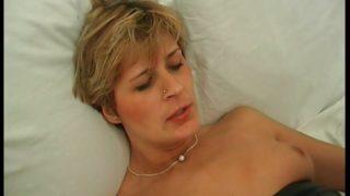 Cougar Francaise baisée par un jeunot